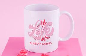 Taza personalizable con mucho LOVE