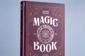 """""""Magic Book"""", una mezcla de novela y tutoriales de magia"""