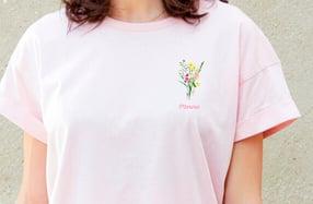 """Camiseta personalizada chica. Modelo """"flores"""""""