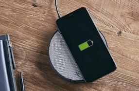 Cargador de móvil inalámbrico con altavoz