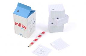 Block de notas con forma de brick de leche