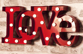Letras LOVE con luces LED
